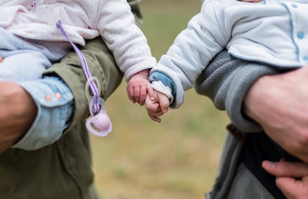 How are Australian businesses supporting working parents?